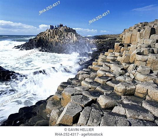 Giant's Causeway on the Causeway coast, 37,000 hexagonal basalt columns, UNESCO World Heritage Site, County Antrim, Ulster, Northern Ireland, United Kingdom