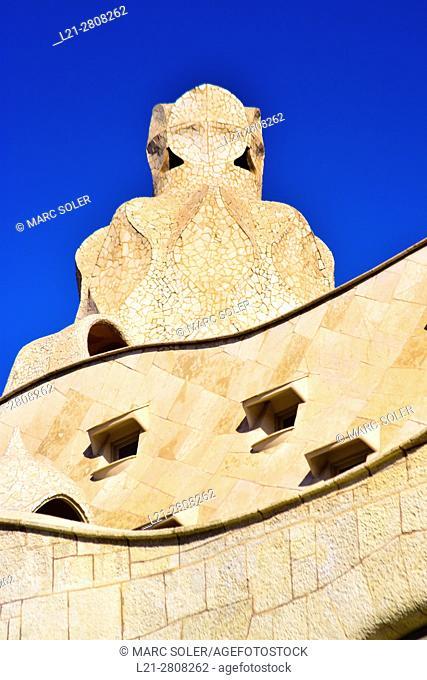 Casa Milà, better known as La Pedrera. Designed by the Catalan architect Antoni Gaudí in the Eixample district. Passeig de Gràcia, Barcelona, Catalonia, Spain