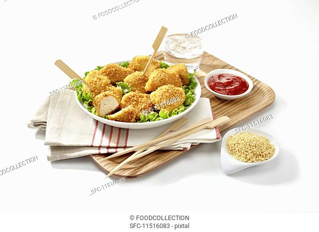 Organic nuggets with ketchup