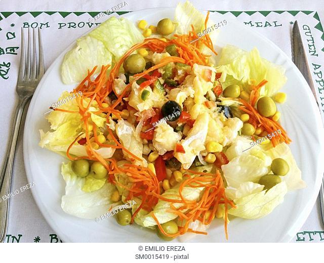 Salad with codfish