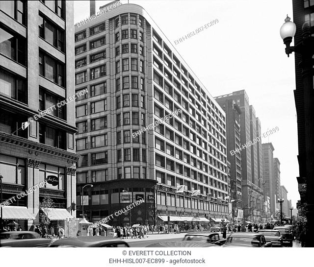 Carson, Pirie, Scott & Company Department Store of 1904 was Louis Sullivan's last large commercial buildings. The design features strong horizontal bands