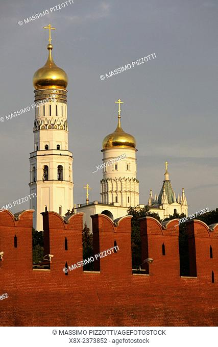 The golden domes of Ivan the Great Bell Tower,Moscow Kremlin, Moscow, Russia