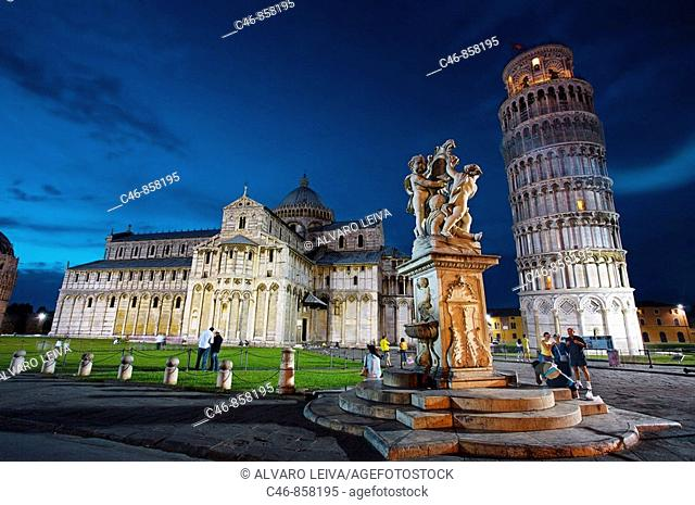 Duomo and Leaning tower, Piazza dei Miracoli, Pisa. Tuscany, Italy