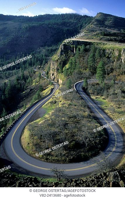Rowena Loops on Historic Columbia River Highway, Mayer State Park, Columbia River Gorge National Scenic Area, Oregon