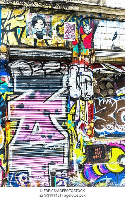 building covered with grafitti, belleville, paris, ile de france, france