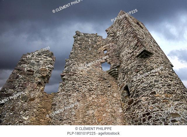 16th century Ardvreck Castle ruin at Loch Assynt in the Scottish Highlands, Sutherland, Scotland, UK