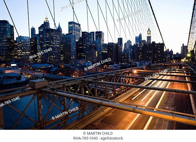 Brooklyn Bridge in the evening, Manhattan, New York, United States of America, North America
