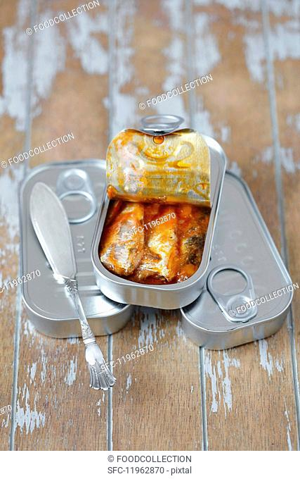 Sardines in tomato sauce in a tin