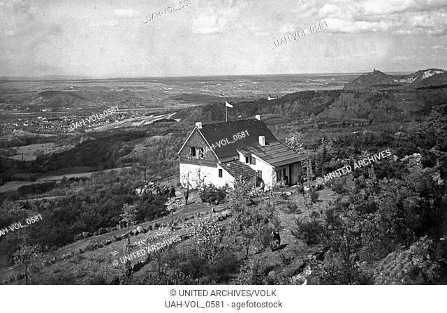 Stimmungsvoller Blick über das Bergische Land, Deutschland 1910er Jahre. Emotional view over the Bergisches Land region, Germany 1910s