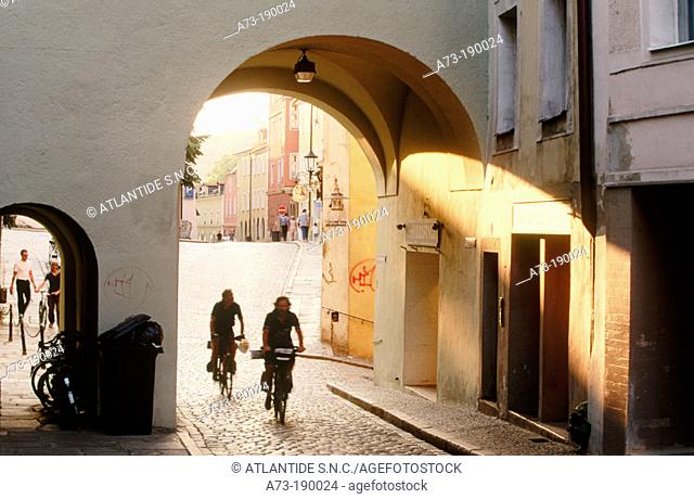 Messergasse, typical street near the cathedral. Passau. Bavaria. Germany