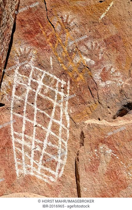 Aboriginal stencil paintings and freehand drawings from the tribe of the Karingbal and Bidjara People, Carnarvon Gorge National Park, Queensland, Australia