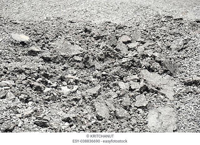 Crushed gravel with asphalt