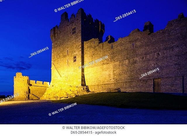 Ireland, County Kerry, Ring of Kerry, Killarney, Ross Castle, dusk
