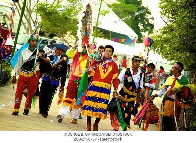 Voladores, pre-hispanic ritual, Mexico, papantla flyers