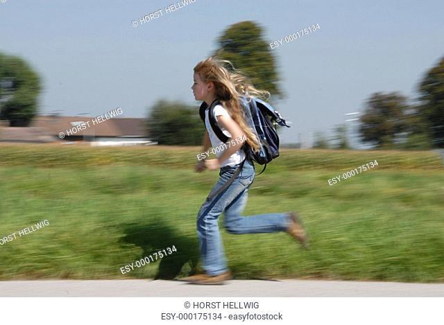 zur Schule laufen