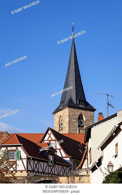 Germany, Rhineland-Palatinate, Freinsheim, typical half-timbered houses in wine village center and church
