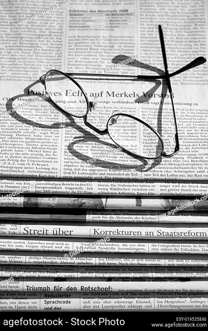 der Zeitungsstapel