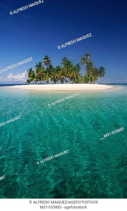 Pelican Cay. San Blas Islands, Panama