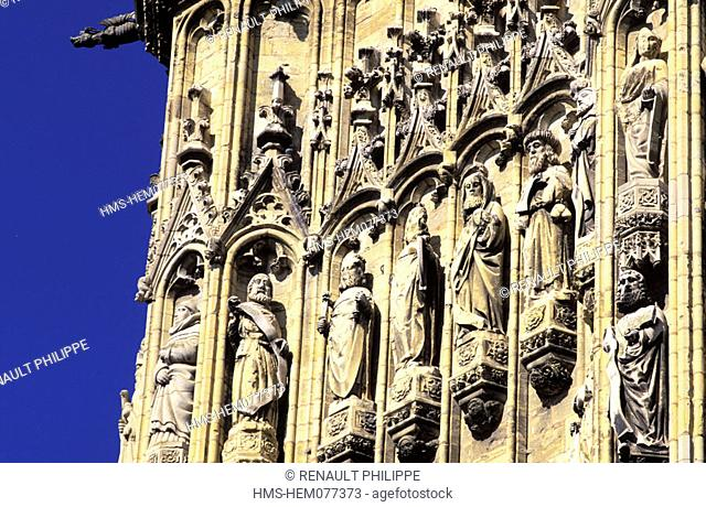 France, Nièvre (58), Nevers, detail of the statuary of cathedral of Saint-Cyr and Sainte-Juliette bell tower