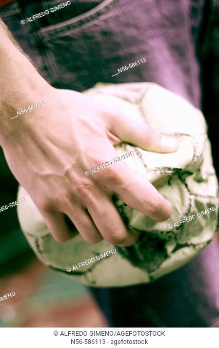 mano con balon