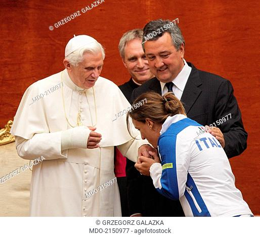 The swimmer Tania Cagnotto meeting the Pope Benedict XVI (Joseph Aloisius Ratzinger) after the 13th FINA World Aquatics Championships