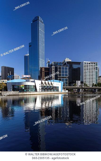 Australia, Victoria, VIC, Melbourne, Skyline from Yarra River with Sealife Aquarium and Rialto Towers, morning