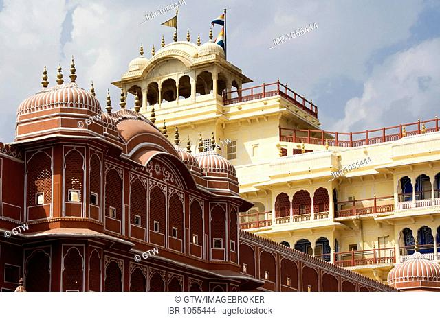 Jaipur, City Palace of Jai Singh II, Inner courtyard with the Riddhi-Siddhi Pol and the Chandra Mahal Palace at back, Rajasthan, India, South Asia
