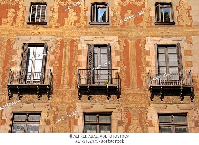 balconies and paintings sgrafiato on the wall, Casa del Gremi dels Velers, 1758, architect Joan Garrido, Barcelona, Catalonia, Spain