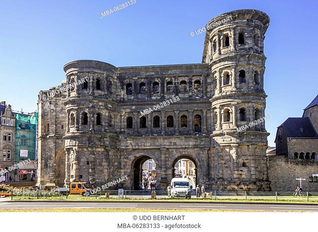 Europe, Germany, Rhineland-Palatinate, the Moselle, Moselle valley, Trier, Porta Nigra, Roman town gate