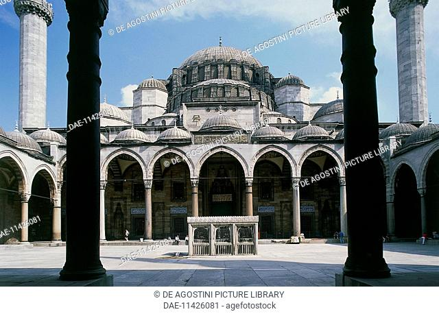 Courtyard of Suleymaniye mosque, 1550-1557, historic centre of Istanbul (UNESCO World Heritage List, 1985). Turkey, 16th century
