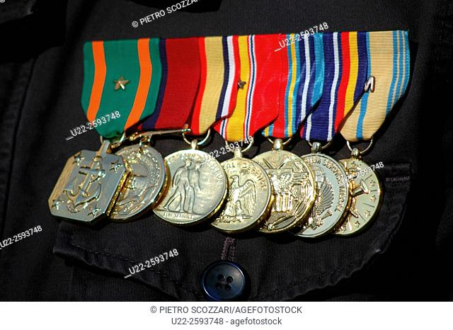 USA, New York City. Army metal of Iraq vetat Veterans Day