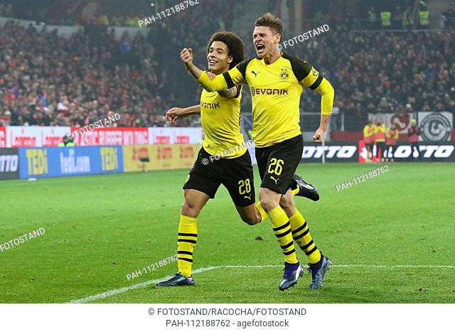 Mainz, Germany November 24, 2018: 1. BL - 18/19 - FSV FSV FSV Mainz 05 vs. Bor. Dortmund goaljubel to 2: 1, goalkeeper Lukasz Piszczek (Dortmund) (2nd from...