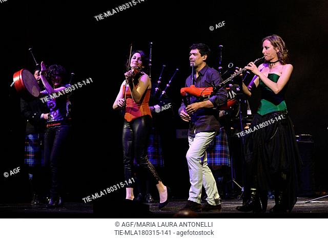 17/03/2015 Roma. Teatro Brancaccio. Nella foto i City of Rome Pipe Band, Jose' Angel Hevia ed il supporter band Green Clouds