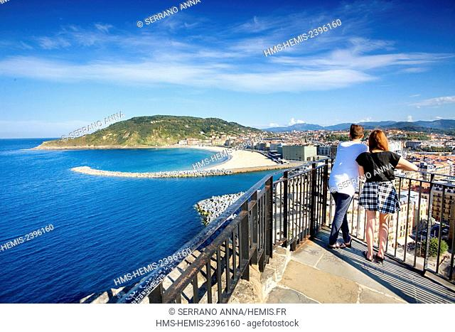 Spain, Basque Country, Guipuzcoa province (Guipuzkoa), San Sebastian (Donostia), European capital of culture 2016, Zurriola seen from Urgull mountain