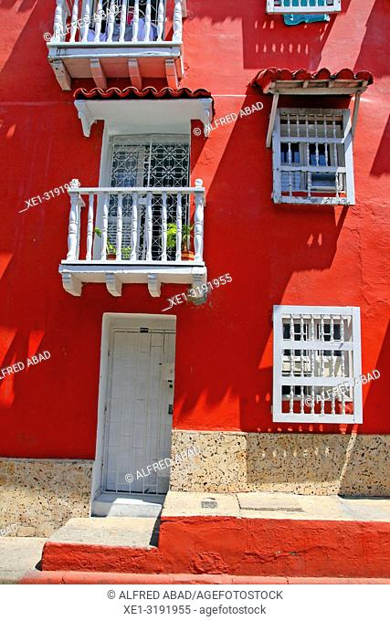 housing with red facade, Cartagena de Indias, Colombia