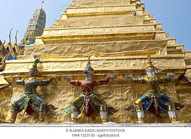 Temple statues, Wat Phra Kaeo, Bangkok, Thailand