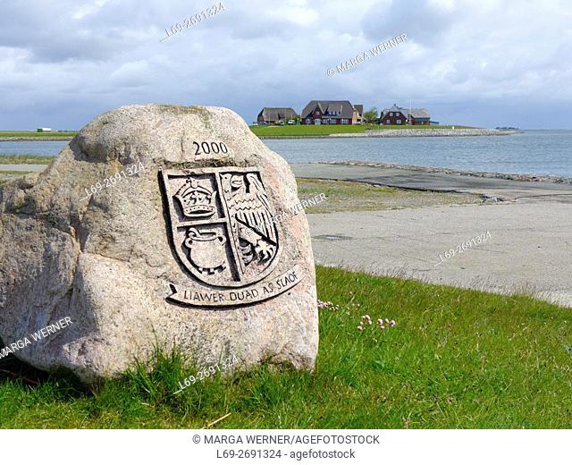 North Frisian coat of arms on a granite rock ''Liawer duad as slaof'', better dead than a slave, Hallig Langeneß, Wadden Sea, Schleswig-Holstein, Germany