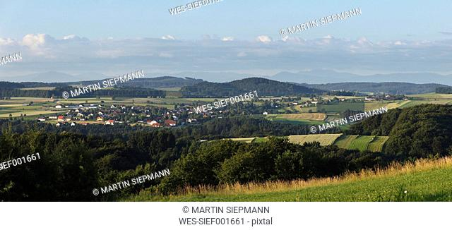Austria, Lower Austria, Wachau, Dunkelsteinerwald, Gansbach, View of landscape with village in distant