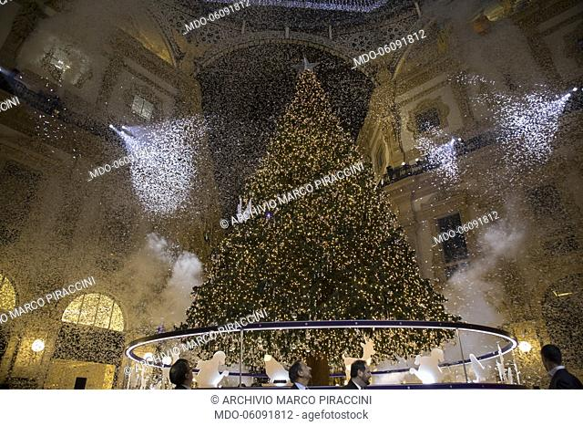 Belen Rodriguez accompanied by her son Santiago, godmother of the Swarovski Christmas lighting ceremony, in the Galleria Vittorio Emanuele