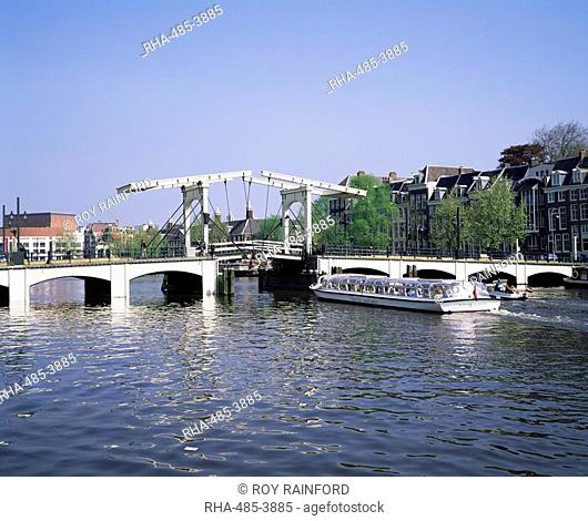 Magere Bridge, Amsterdam, Holland, Europe