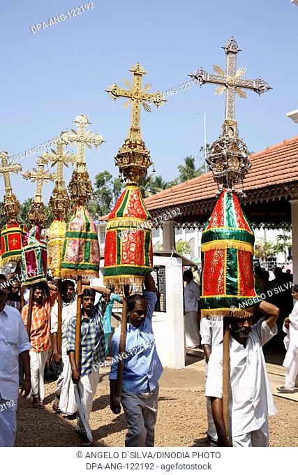 Syrian Christian procession with decorative crosses near Marthoman Cheriyapally ; St Thomas Church at Kohamangalam ; Enakulam ; Kerala ; India NO MR