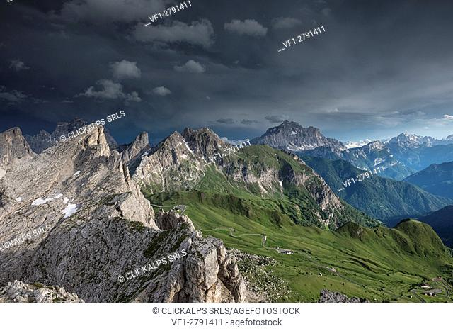 Nuvolau, Dolomites, Veneto, Italy. The Dolomites after the storm. From left Monte Pelmo, Ra Gusela, Monte Cernera and the Civetta