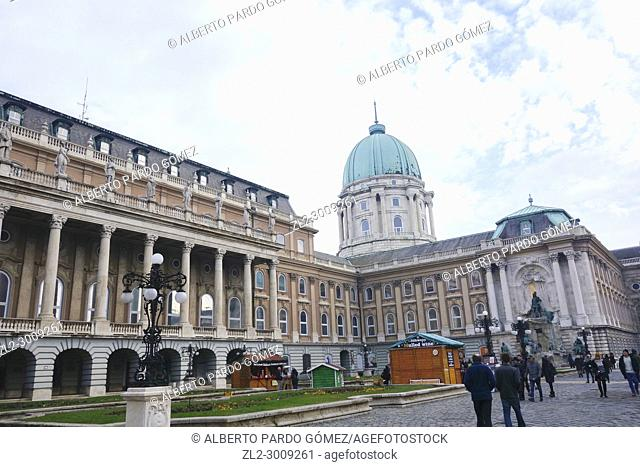Castle and palace complex, exterior patio of the Plaza de San Jorge, Castle Hill District, Budapest, Hungary