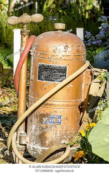 Atomizer for garden