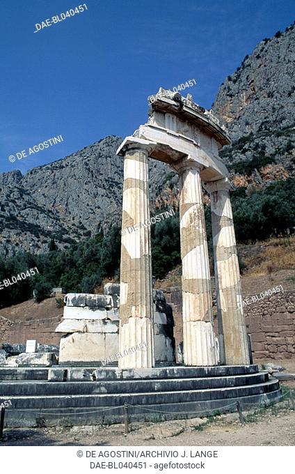 Tholos in the sanctuary of Athena Pronaia, 380 BC, archaeological site of Delphi (UNESCO World Heritage List, 1987), Greece