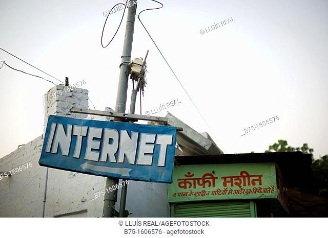 internet, utility poles, India