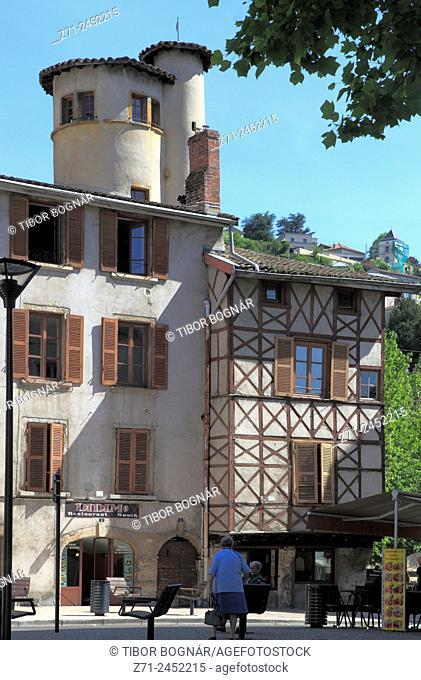 France, Rhône-Alpes, Isère, Vienne, street scene, architecture