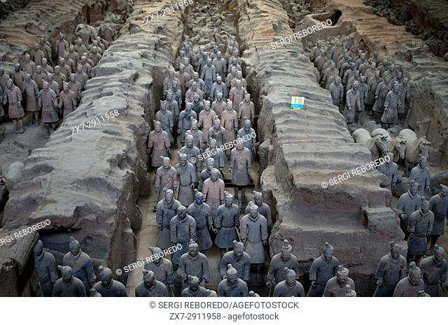 Terracotta Warriors Army, Pit Number 1, Xian, Shaanxi, China, Asia. An ancient collection of sculptures depicting armies of Qin Shi Huang
