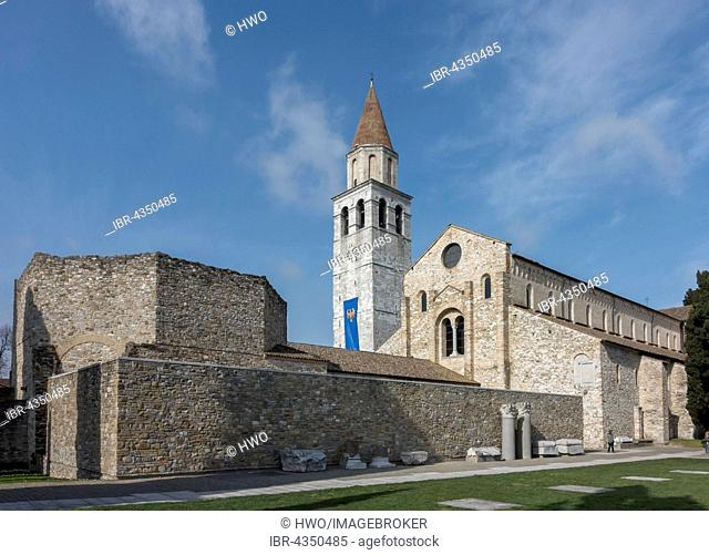 Romanesque basilica with bell tower, 11th century, in front the baptistery, Aquileia, Udine province, Friuli-Venezia Giulia, Italy