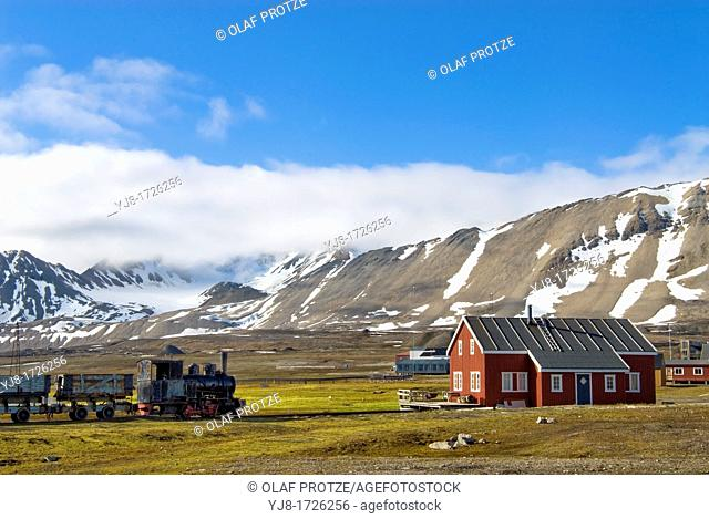 House and a former coal train on display in the remote village of Ny Alesund in Spitzbergen, Norway